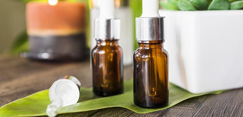 Les huiles essentielles pour traiter le kyste pilonidal